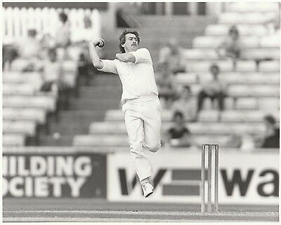 EDDIE HEMMINGS (Nottinghamshire & England) black & white press photograph Sussex