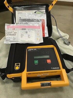 Physio-Control Lifepak 500 w/ adult & child electrode pads, battery exp.10/2019