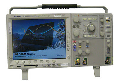 TEKTRONIX. DPO4032. 350MHz Digital  Oscilloscope