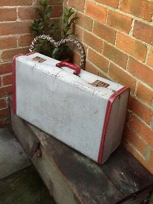 Super Vintage 1950s Suitcase-Red detailing and key #3222