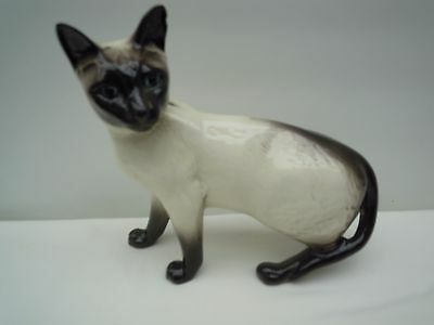 Vintage 1960's Collectable Beswick Porcelain Seal Point Siamese Cat  No.1897