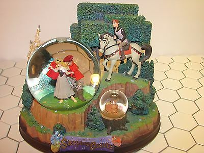 Disney Store Exclusive Sleeping Beauty Princess Aurora Musical Snowglobe