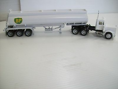 Ho Bp Tanker & Prime Mover Ideal For The Ho Layout