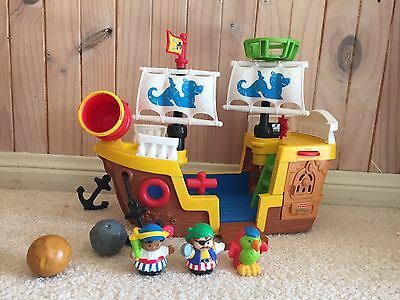 FISHER-PRICE LITTLE PEOPLE Pirate Ship With Figures