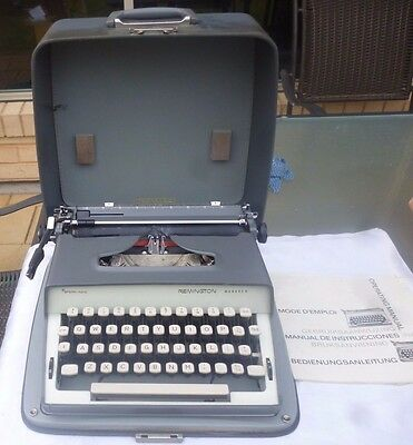 VINTAGE REMINGTON MONARCH SPERRY RAND TYPEWRITER With MANUAL