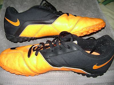 Nike 580444-800 Football Soccer Basketball Size US 11 Orange and Black