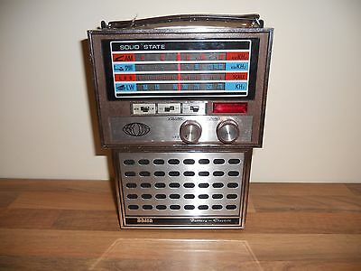 Vintage Original Shira 2239 2 Band mw/lw solid state radio fully boxed.