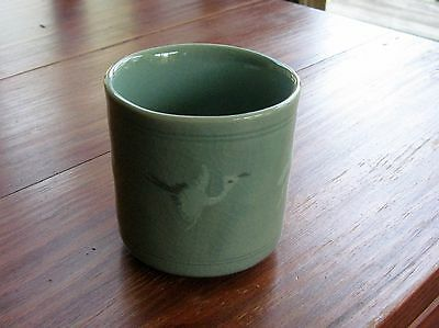 korean celadon porcelain tea cup crane cloud pattern crackle vase antique style