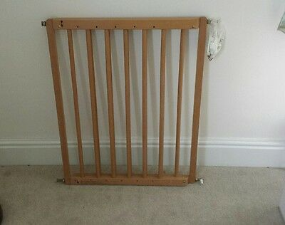 Baby gate wooden wall fixed by Mothercare