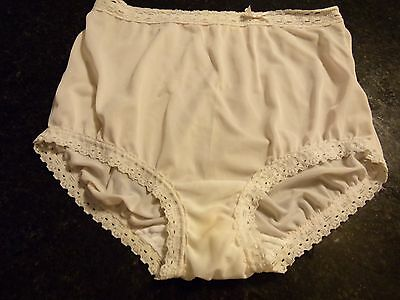 Vintage OLGA nylon lacy brief Panty size 5 -