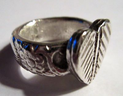 Vintage Old Rajasthan India Fine Silver Ring ~ Heart & Flowers ~ Sz 7 ~~ 18 Gr!