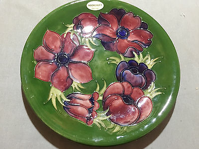 Large MoorCroft Anemone Large Plate - 26 cm in diameter.