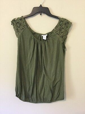 Motherhood Maternity Women Dark Green Lace Shoulder Short Sleeve Shirt Size S
