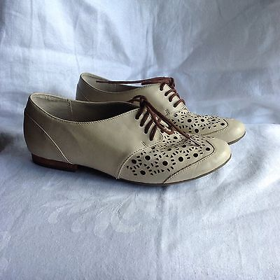 Clarks Active Air Ivory Leather Wide Fit Brogues Size 4