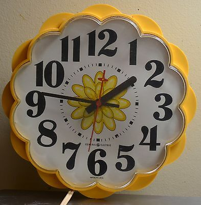 Vintage General Electric Yellow Flower Wall CLOCK Made In USA - GE
