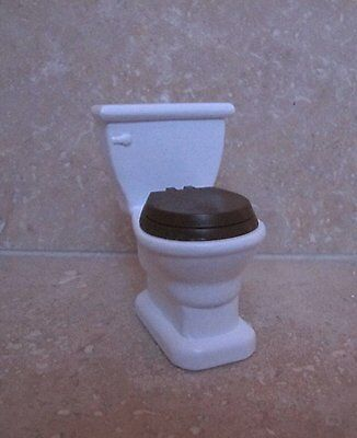 Dolls House Miniature 1:12th Scale Modern Toilet