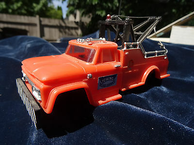 Motorific Torture Track GMC TOW TRUCK-- with hook -NICE