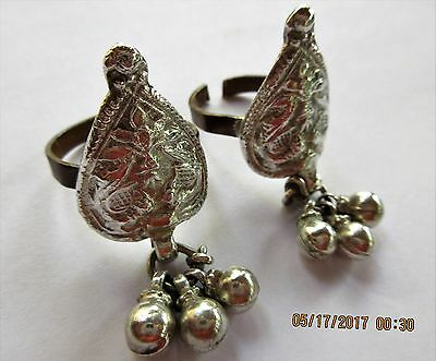 SET of TWO ~ Vintage INDIA Rajasthan SILVER Bird & Floral DANGLING BIG TOE RING!