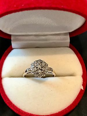 Vintage 9ct Diamond Flower Cluster Ring. Size O. 1.9g