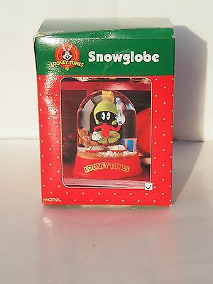 Looney Tunes 1998 Marvin The Martian Snow Globe ... New In Box...