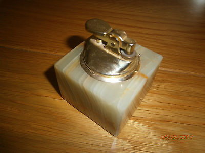 Vintage Onyx square gas table lighter