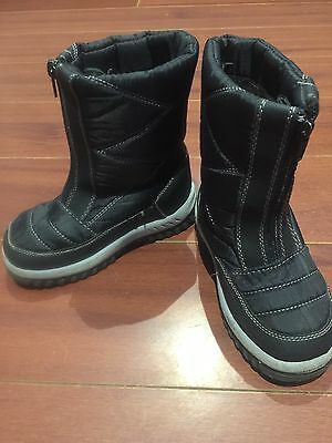 Kid's Unisex Snow Boots, Size 12 , Good Condition.