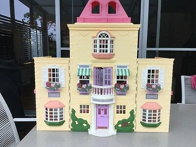 Fisher Price huge collapsable doll's house AND furniture AND dclls