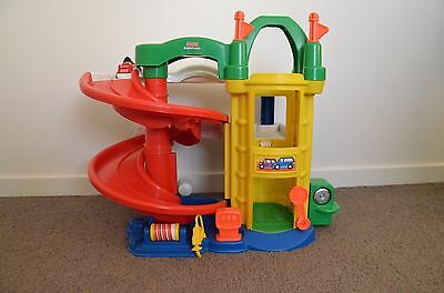 Fisher Price Little People Racing Ramps Car Garage With Lift