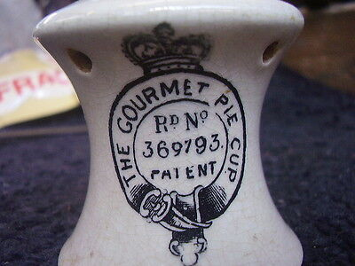 """Antique pie funnel 'The gourmet pie cup' 1920's 3"""" high no chips see photo's"""