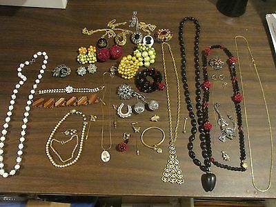 HUGE Lot Womans Womens Costume Jewelry Necklaces Bracelets Rings Pins