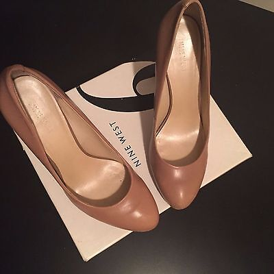 NINE WEST womens taupe leather high heel dress shoes US 8.5 M