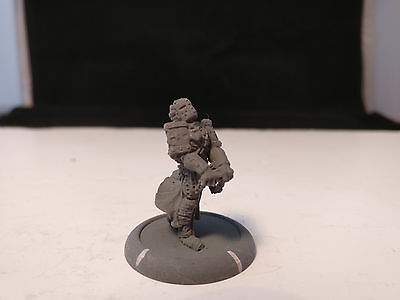 *Unpainted* Warmachine Menoth Vassal of Menoth Solo