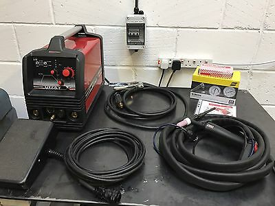 Lincoln Invertec V160-T Tig Welder + K870 Amptrol Pedal + Torch, Gas Regulator
