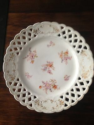 Vintage/ Old Lattice Plate Flowers And Gold Coloured  Trim
