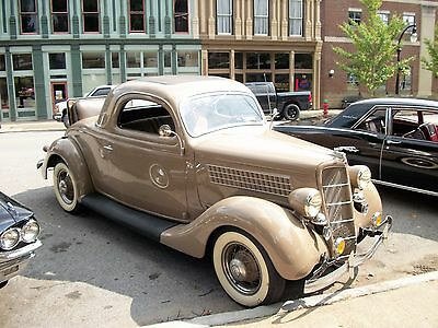 1935 Ford MODEL 48 DELUXE 1935 3 WINDOW COUPE DELUXE 1935 Ford Three Window Coupe