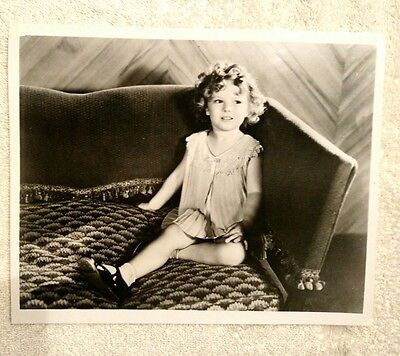VINTAGE 8x10 SHIRLEY TEMPLE PHOTO