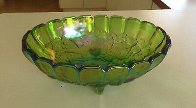 VINTAGE Green CARNIVAL GLASS LARGE FOOTED FRUIT BOWL Pearlescent Grape Vine