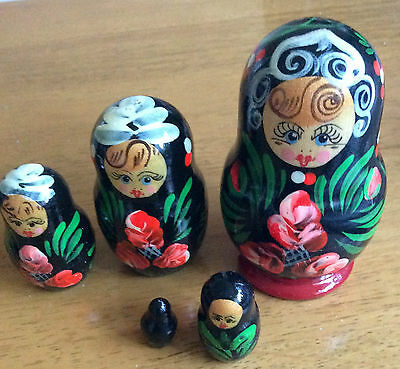 nesting doll set of 5 HAND PAINTED MADE IN RUSSIA matryoshka