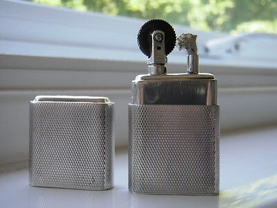 Howitt Lighter, SOLID SILVER, 1943. great condition