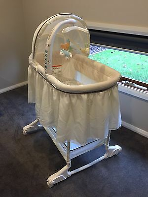 Fisher Price My Lil Lamb Bassinet