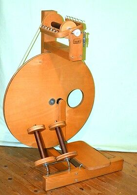Excellent Louet S10 Spinning Wheel In Perfect Working Order