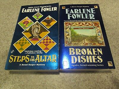 Lot of 2 books by Earlene Fowler: Benni Harper: Steps to the Altar 9, Broken Dis