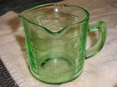 Green Depression Glass ANCHOR HOCKING Measuring Cup w/3 LIPS