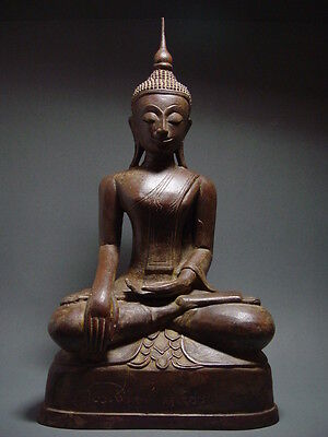 ANTIQUE BRONZE BURMESE SHAN PERIOD MEDITATING BUDDHA, TEMPLE RELIC. 18th C.