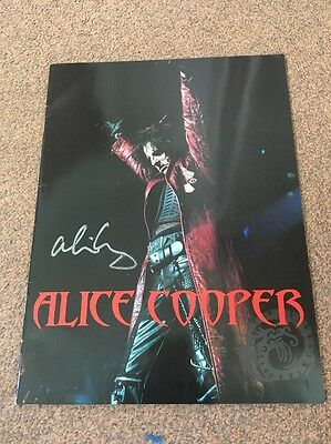 Alice Cooper Tour Programme SIGNED 2002 Dragon Town Mint Condition