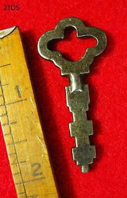 Rare Early Version Scandinavian Pad Lock Old Skeleton Key - Collector's Choice