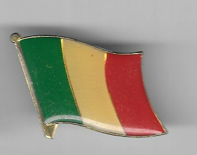 Vintage Flag of Italy old enamel pin
