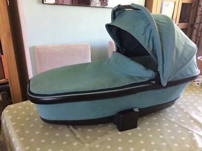 Quinny Carrycot In Novel Nile Green