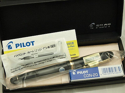Pilot (NAMIKI) Japanese FP Custom 74 Black with converter / 14K / EF nib New!