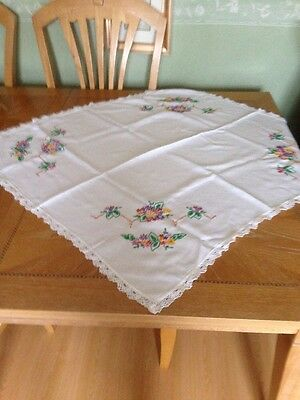 """VINTAGE TABLECLOTH HAND EMBROIDERED FLOWERS + CROCHET TRIM Approx  35""""square"""